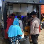 Bantu Warga di Masamba, Brimobda Sultra Kirim Mobil Water Thereatmen