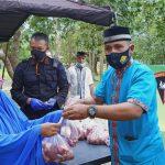 Kurban 39 Ekor Sapi, Brimob Sultra Bagikan ke Warga