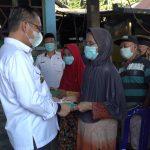 36 Lansia di Lorong Cici Dapat Bantuan dari Wali Kota