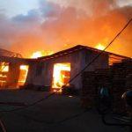 Sebuah Rumah di Kampung Bugis Terbakar