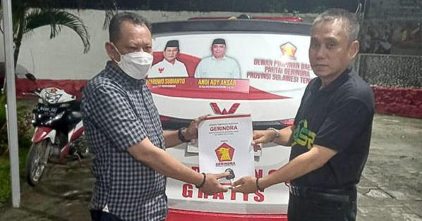 Gerindra Serahkan Ambulans Gratis di Baubau dan Konawe