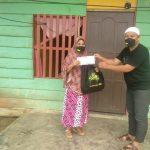 ASR Beri Bantuan Insentif Kepada Guru Honor Terdampak Pandemi di Konawe Selatan
