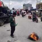 Mahasiswa Desak Pemda Sultra Perbaiki Jalan Provinsi di Desa Wakumoro Muna