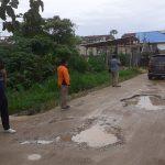 Ketua DPRD Kendari Tinjau Jalan Rusak di Jalan Segar